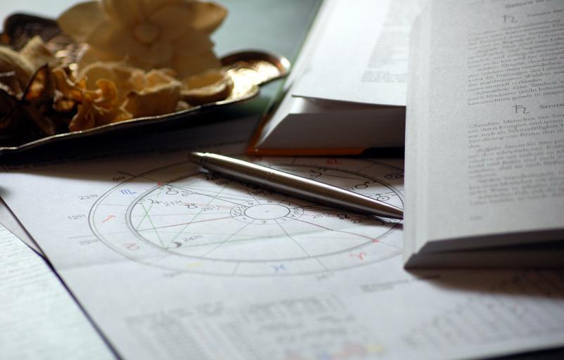 astrologické dokumenty.jpg
