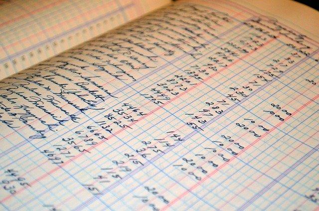 stará účetní kniha